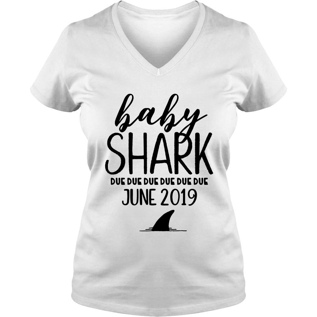 Baby shark due due due due due due june 2019 V-neck t-shirt