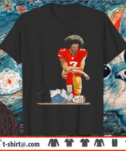 Colin Kaepernick kneeling on the neck Police Officer shirt